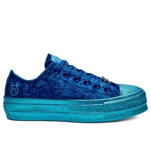 NEW Sz 8 Converse x Miley Cyrus Fuzzy Blue Shoes